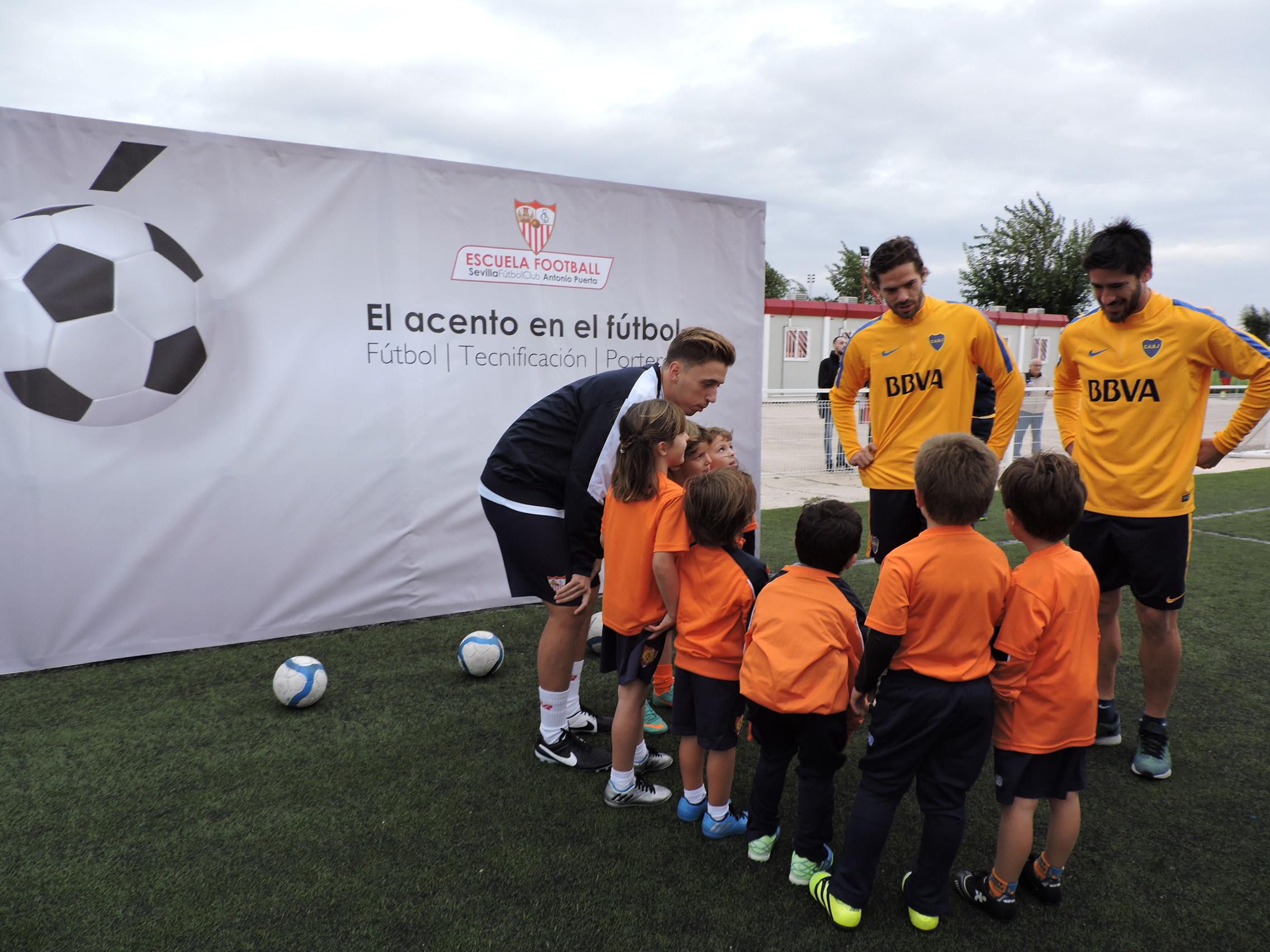 Visita del Boca Juniors a la Escuela de Football Antonio Puerta