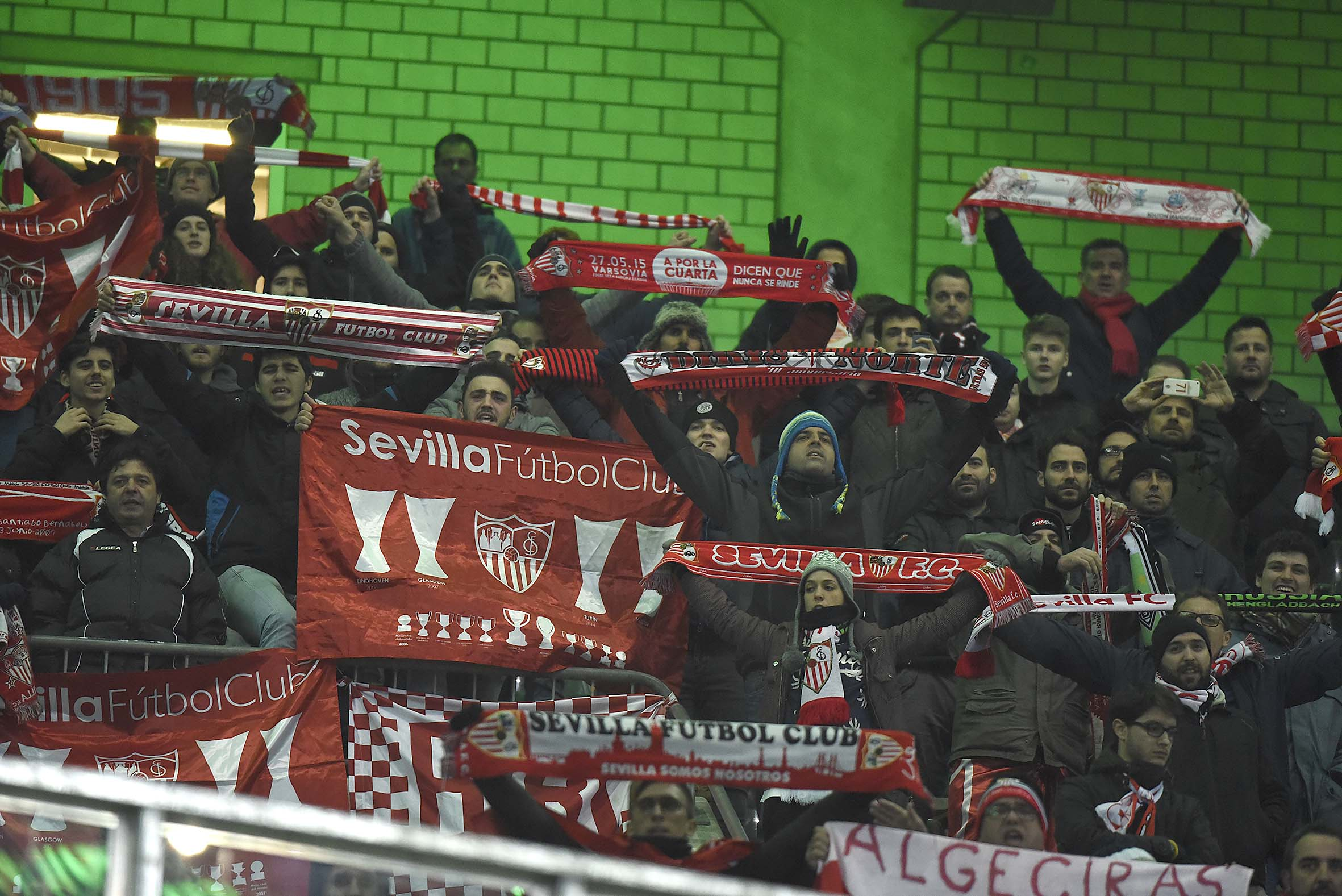 Aficionados del Sevilla FC en el Borussia-Park