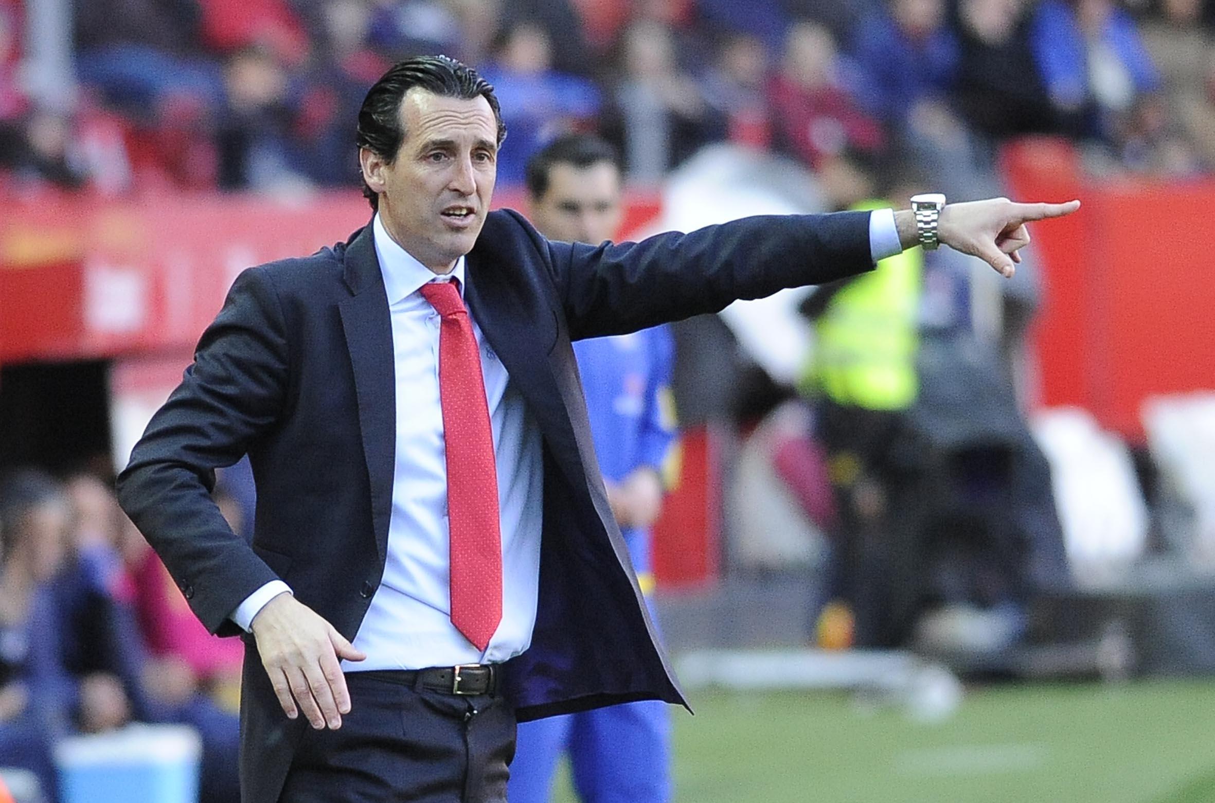 Emery da indicaciones en el Sevilla FC-UD Las Palmas