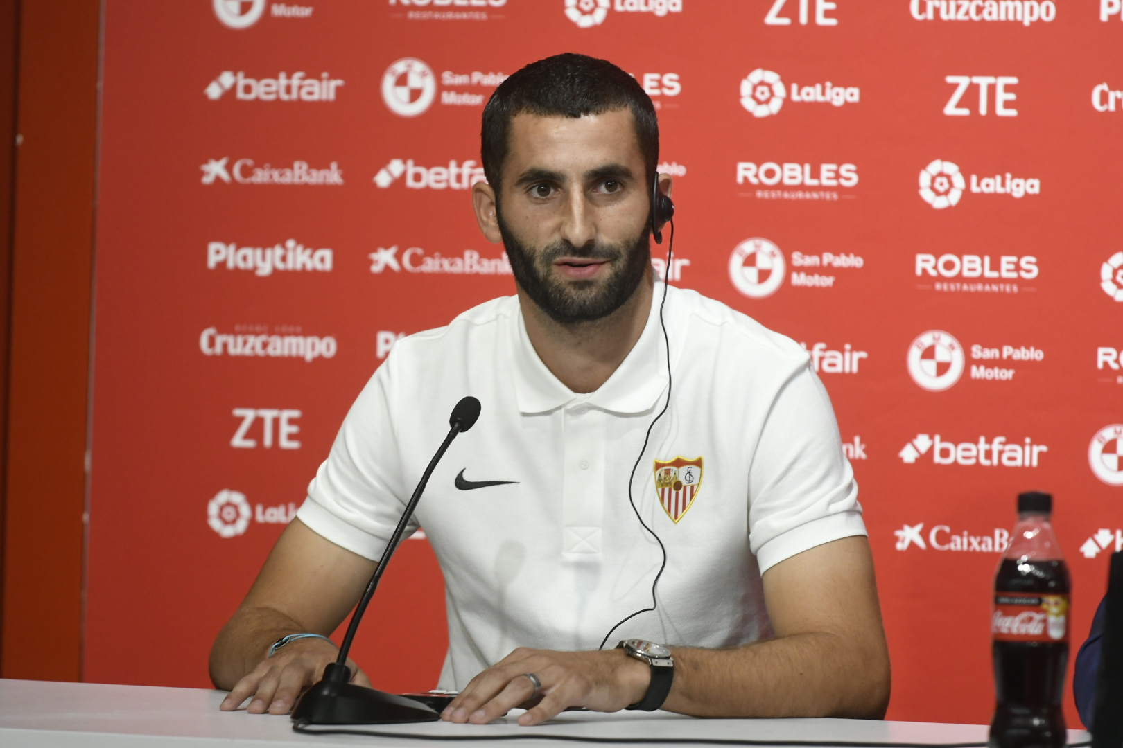 Maxime Gonalons in Sevilla's colours