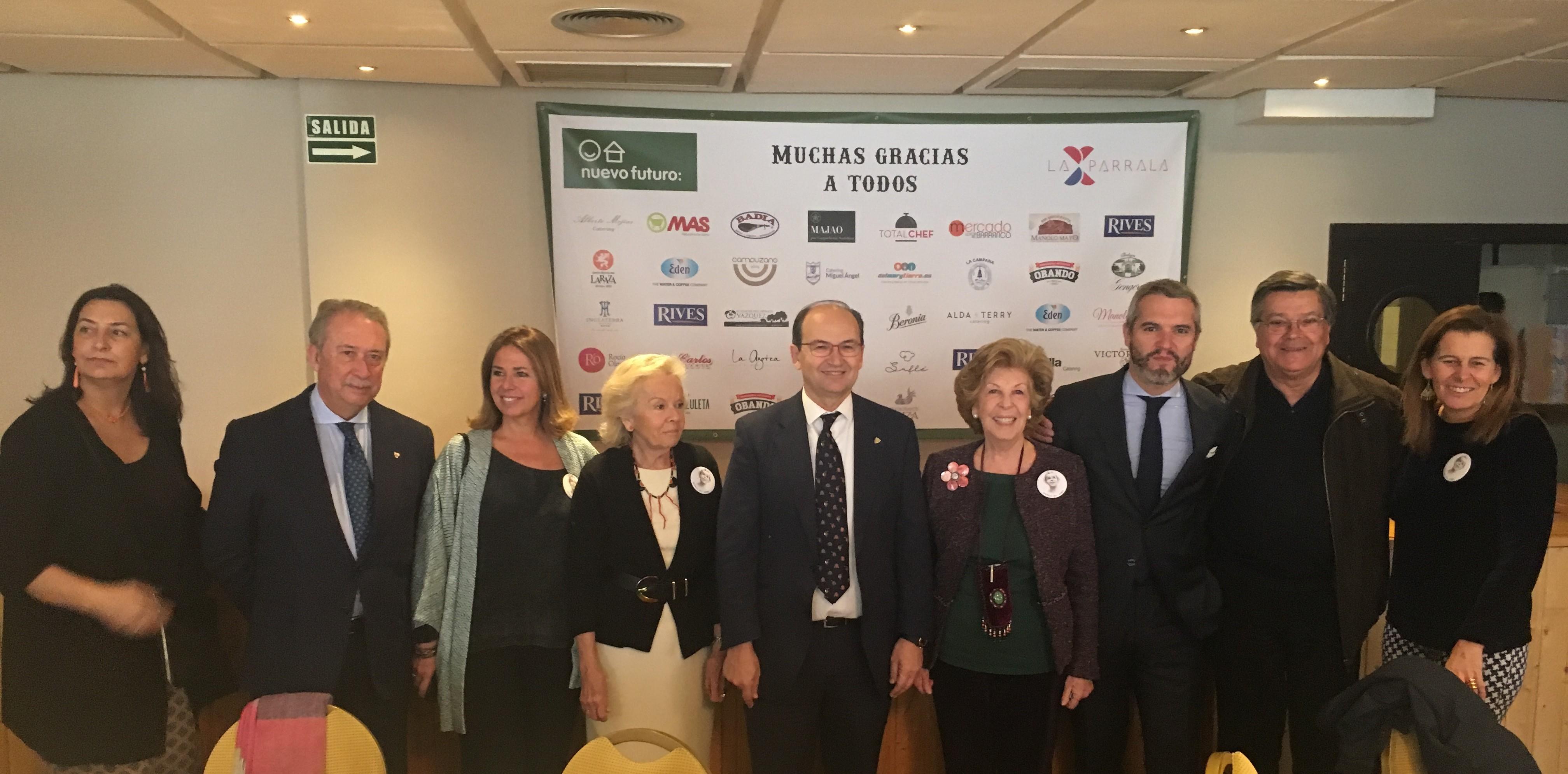 Visita de la Fundación del Sevilla FC al rastrillo de Nuevo Futuro