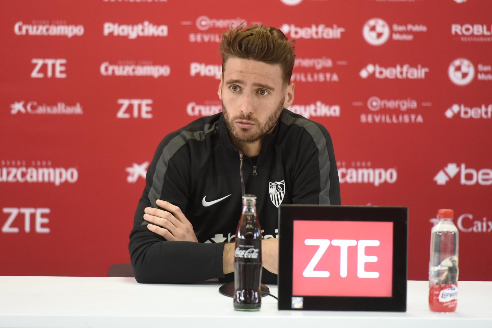 74264788f2 Sergi Gómez during the press conference