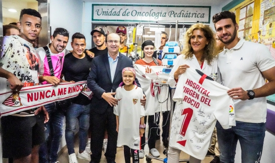 Visit to 'Hospital Virgen del Rocío' - Sevilla FC