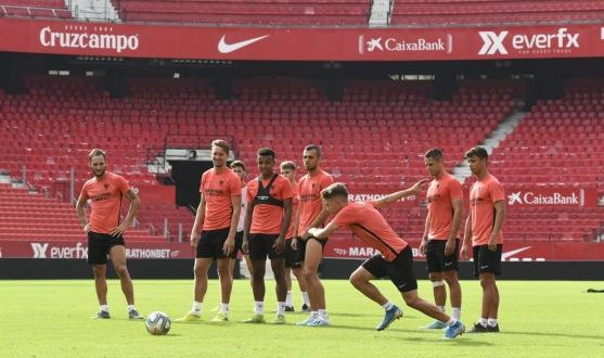 Sevilla trained in the Ramón Sánchez-Pizjuán