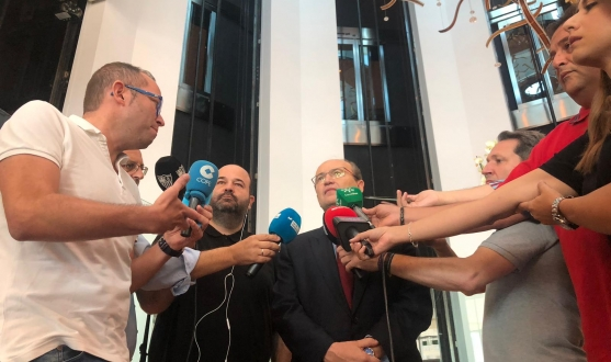 José Castro talks to press in Baku