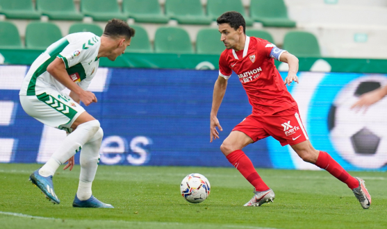Jesús Navas in the match against Elche CF