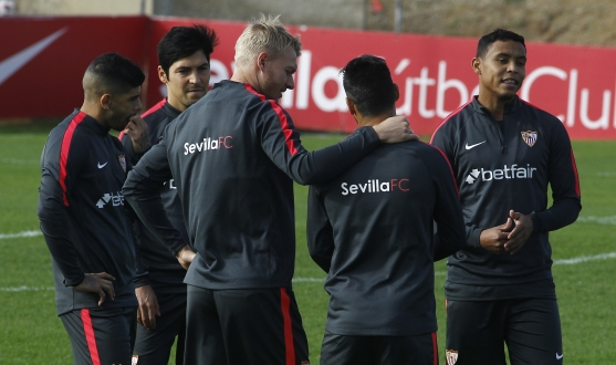 Simon Kjaer in training for Sevilla FC