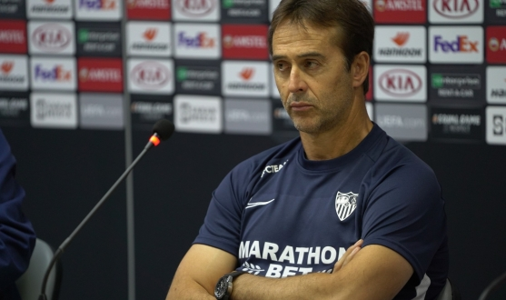 Julen Lopetegui in the press room
