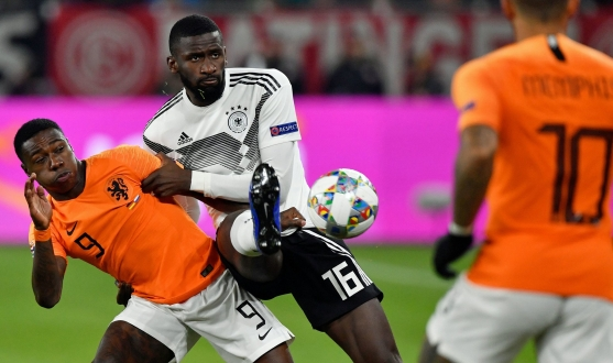 Promes with Holland against Germany