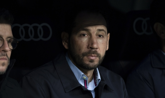Pablo Machín on the bench at the Bernabéu
