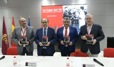 Presentation of the book 'The Cup of 39'
