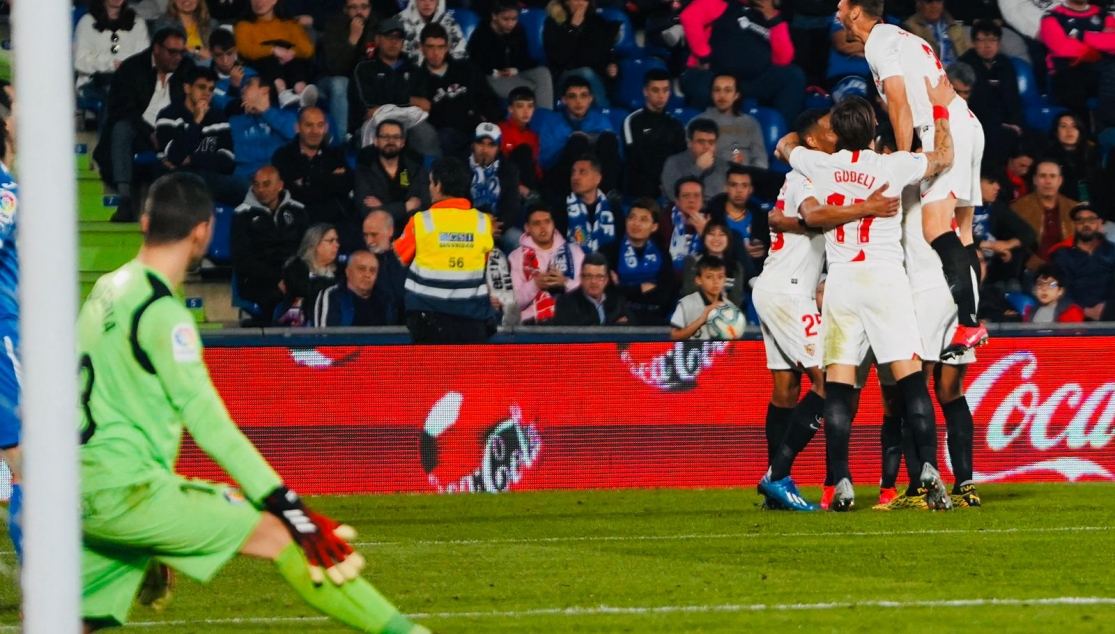 Sevilla FC celebrating the win at Getafe