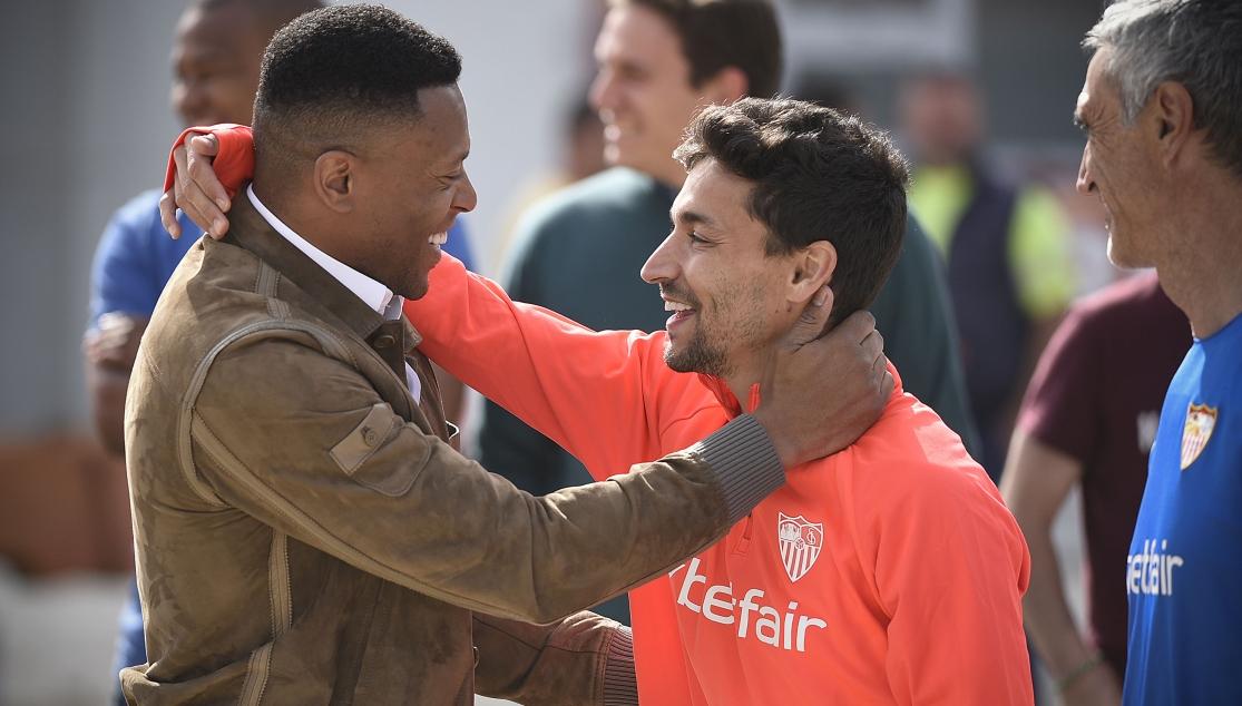 Baptista y Jesús Navas en el entrenamiento del Sevilla FC