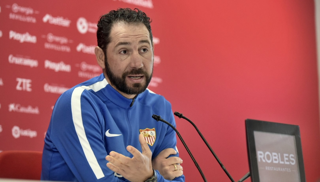 Machín of Sevilla FC in the press conference