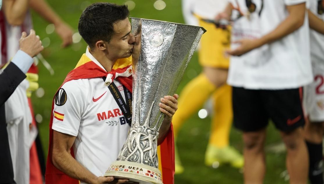"""REGUILÓN SE DESPIDE DEL SEVILLA FC: """"AQUÍ TENÉIS UN SEVILLISTA MÁS"""""""