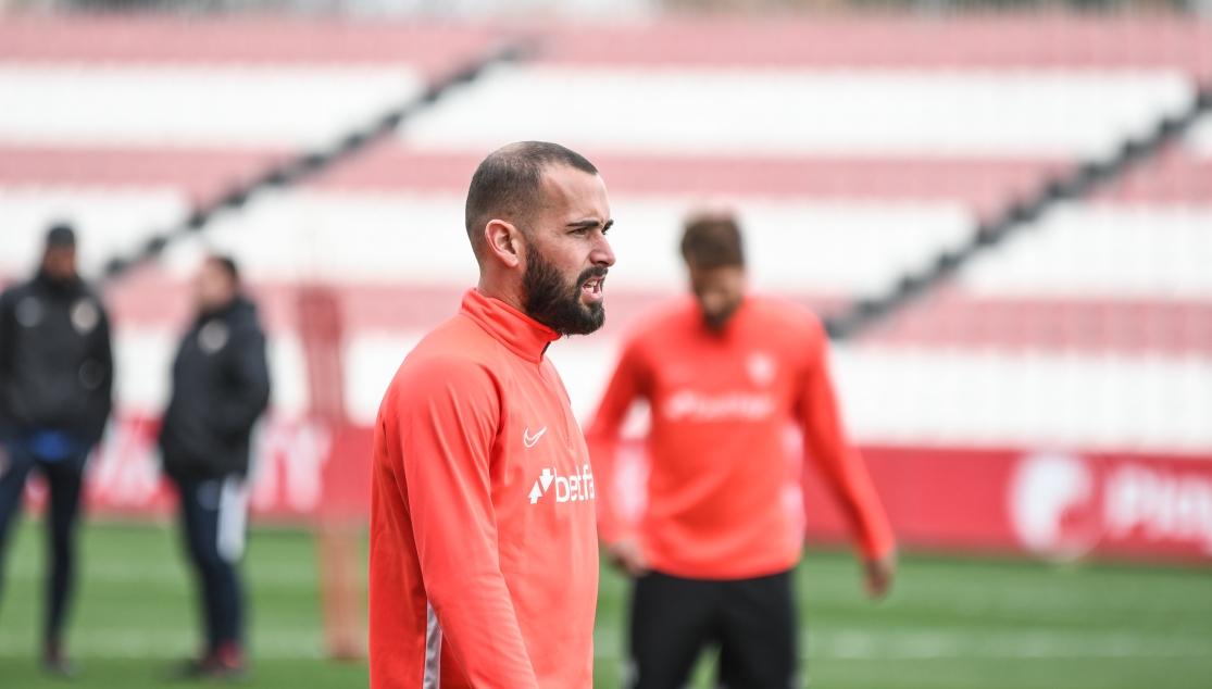 Aleix Vidal vuelve a entrenar