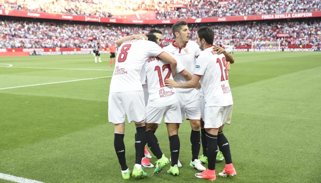 Celebration after the fourth goal against Deportivo