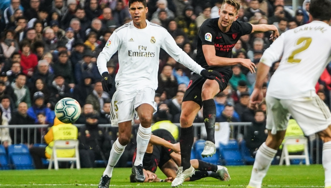 De Jong equalising at the Bernabéu
