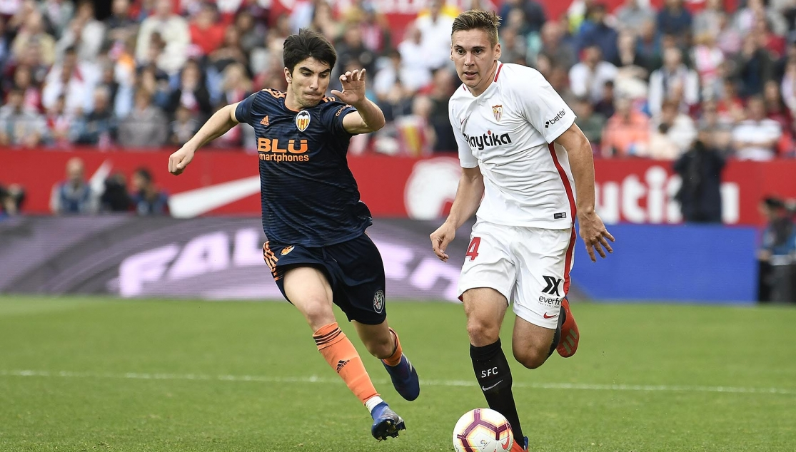 Wöber against Valencia