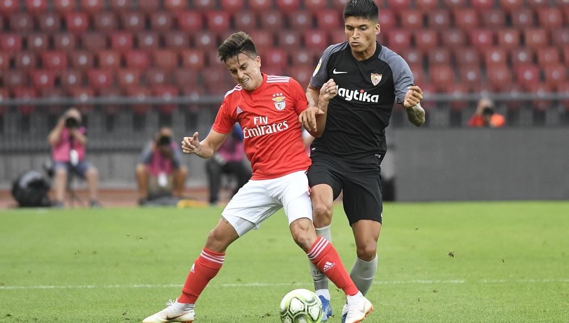 Correa playing in a friendly against Benfica