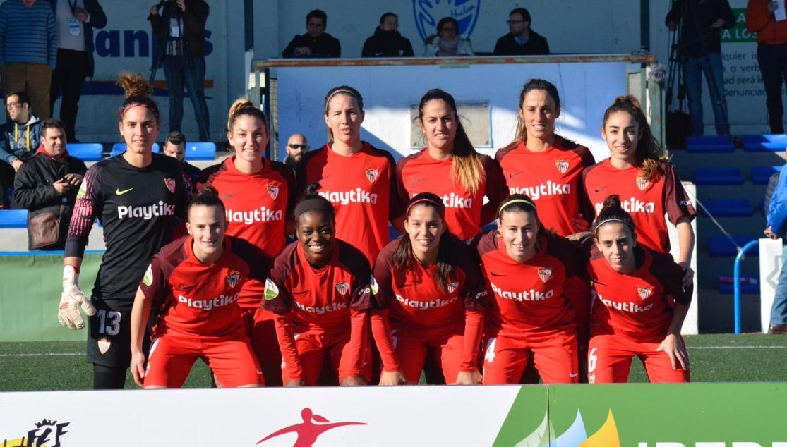 El once del Sevilla Femenino en Huelva.