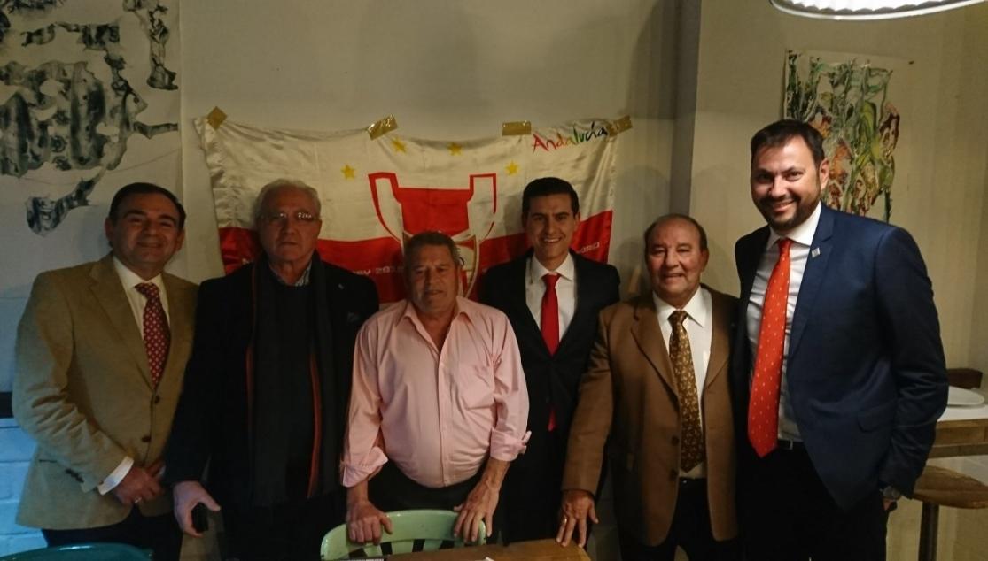 Curro sanjos nombrado 39 sevillista del a o 39 para huelva - Socios del sevilla 2017 ...