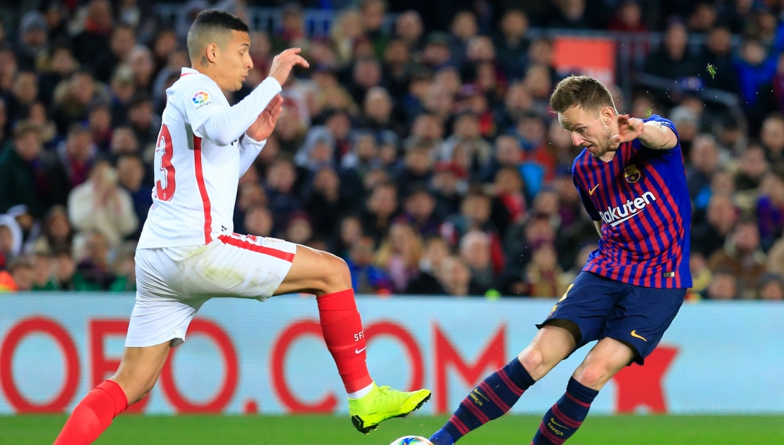 Arana against Rakitic