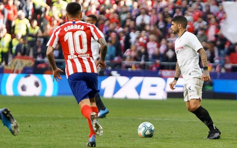 Banega in action against Atlético de Madrid