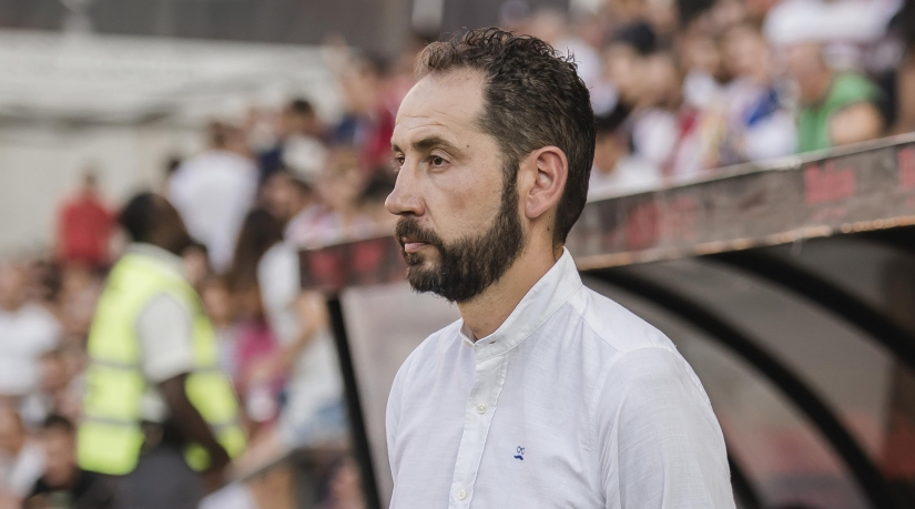Machín on the bench in Vallecas