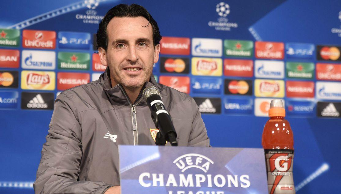 Unai Emery en la sala de prensa del Borussia Park