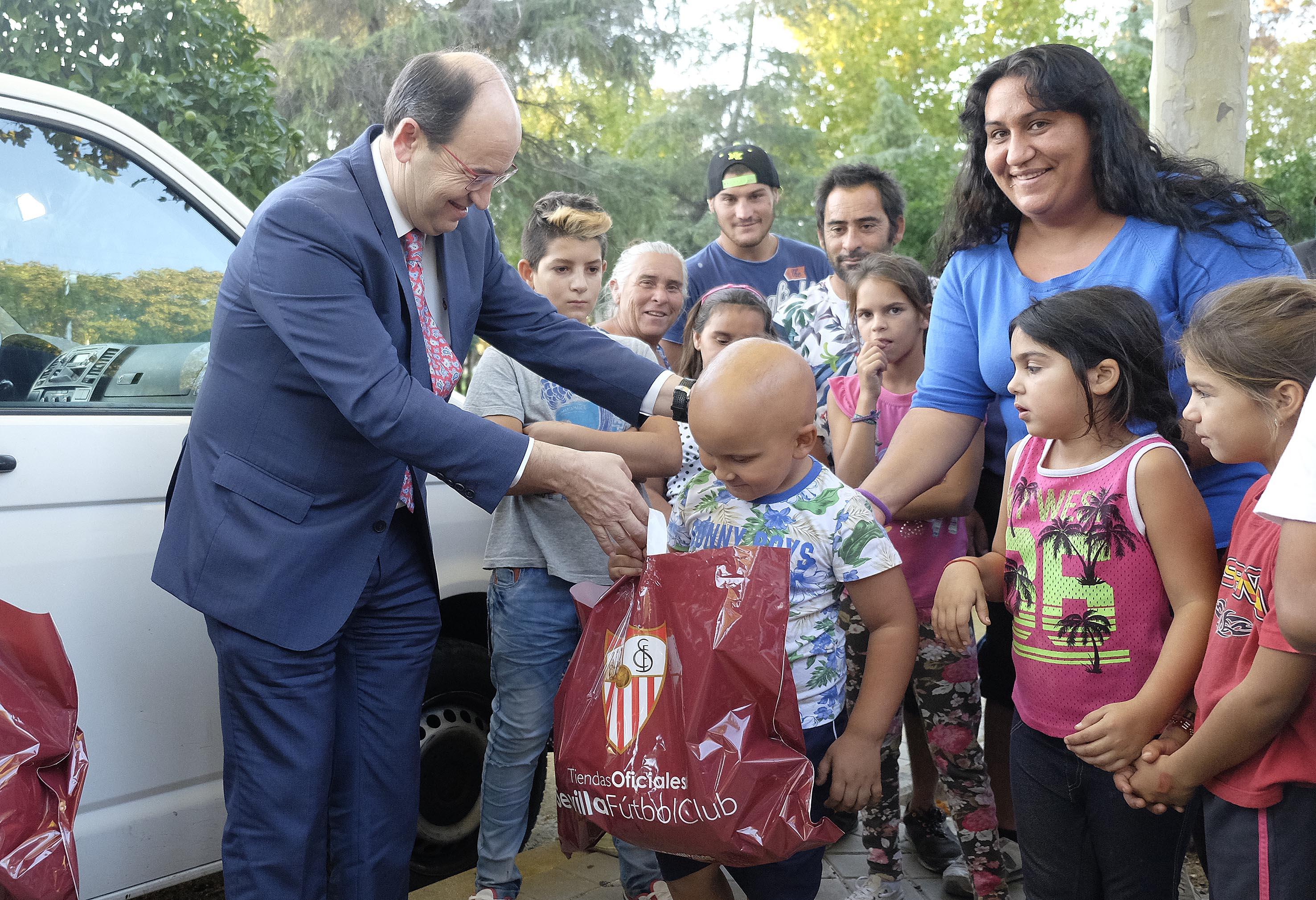 El presidente José Castro en la visita a El Vacie